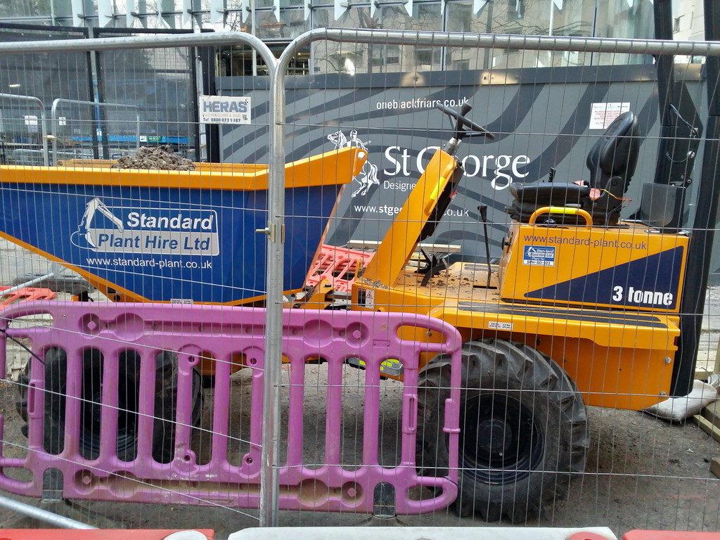 3 Tonnen Thwaites Dumper in London