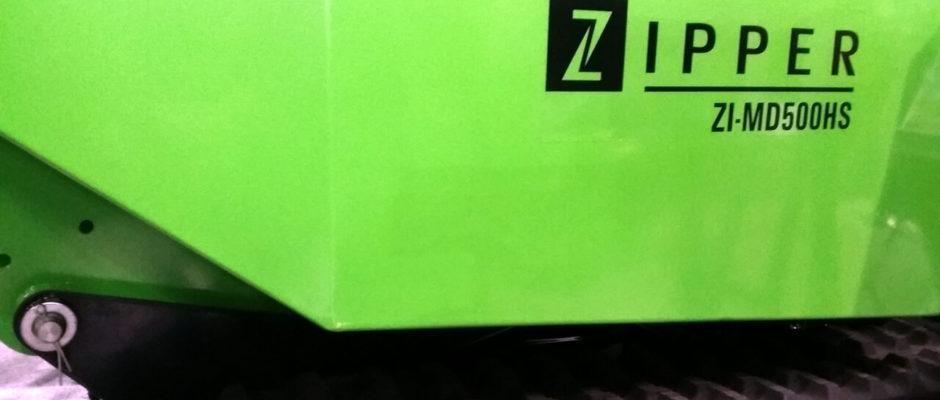 Zipper MD500HS Produktbezeichnung an der Mulde